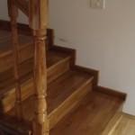 scari lemn pe structura din metal