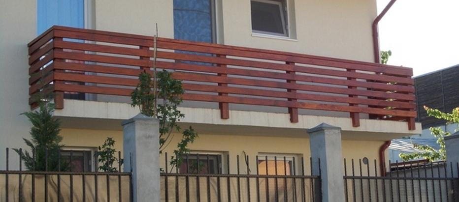 Balustrada din lemn masiv de brad model cu laterale