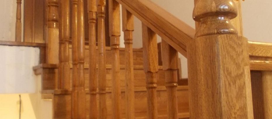 Balustrada din lemn masiv de stejar