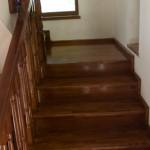 scari din lemn pe beton