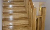 scari din lemn