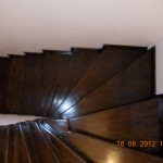 Scara interioara lemn cu trepte balansate
