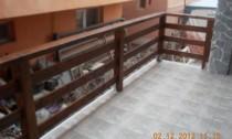 balustrada din lemn exterioara