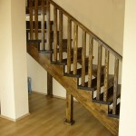 Scari interioare lemn vanguri brad