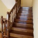 Scari lemn esenta stejar cu balustrada din lemn